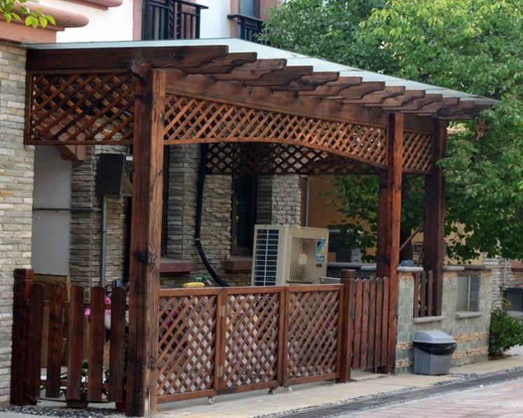 定做各种款式别墅私家小院防腐碳化木门头