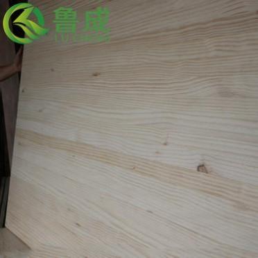 厂家直供进口新西兰松木  辐射松直拼板  家具装修木板单面无结疤
